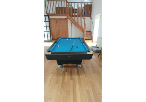 Buffalo   Dominator   Black   American Pool Table   8ft & 9ft   Atlas Blue