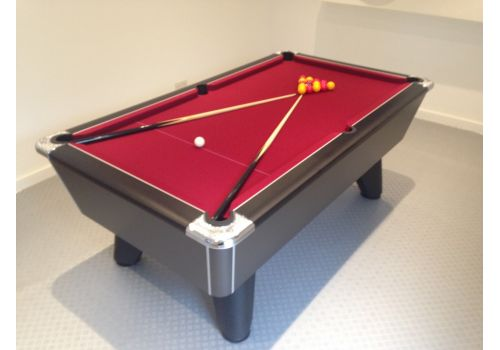Supreme Winner pool table in Black Pearl in Red