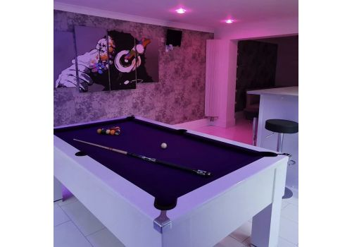 Cry Wolf | Gloss White | Slate Pool Table | Square Leg | 6 & 7ft